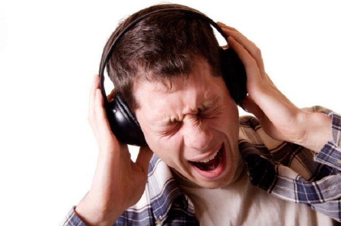 Using headphones can danger your life